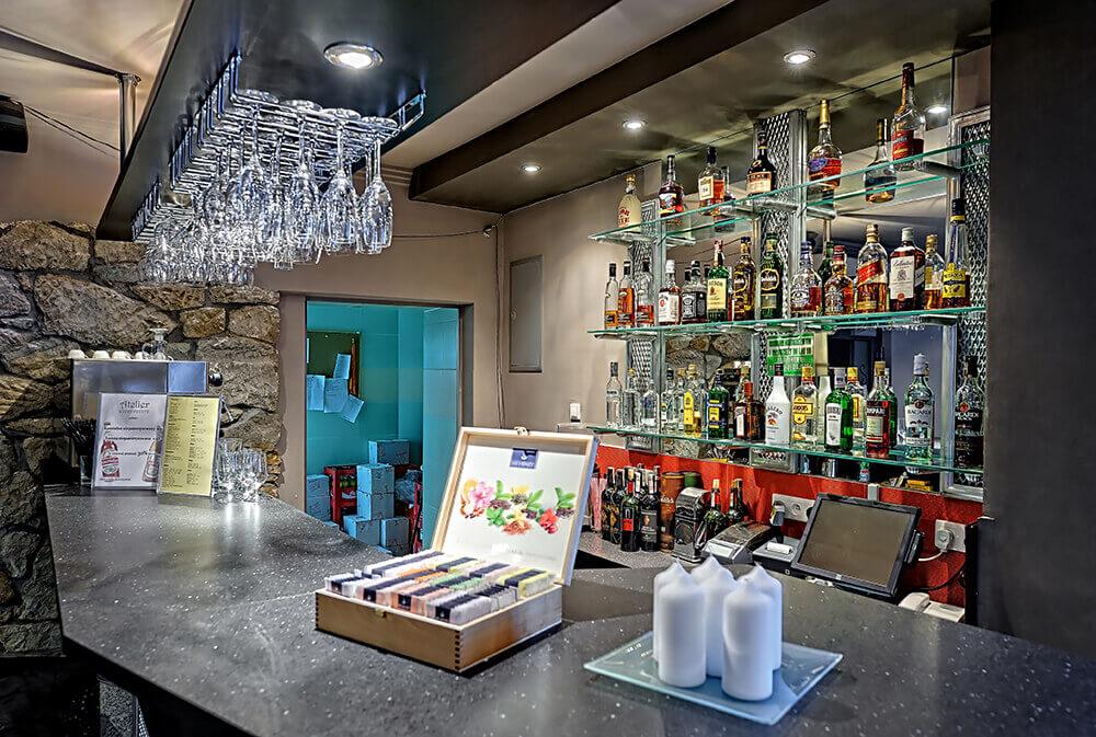 Bar w hotelu Modrzewiówka