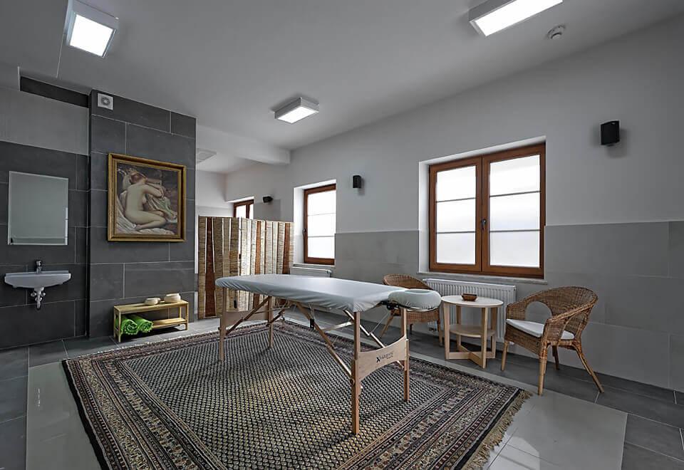 Pokój masaży w hotelu Modrzewiówka